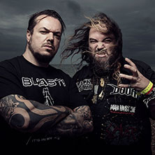 Max and Iggor Cavalera playing Beneath The Remains and Arise