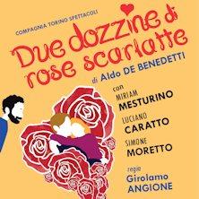 Due dozzine di rose scarlatte